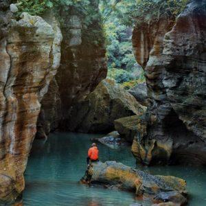 sungai cikahuripan tempat wisata di bandung